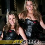 MD6N8882_ikki_twins