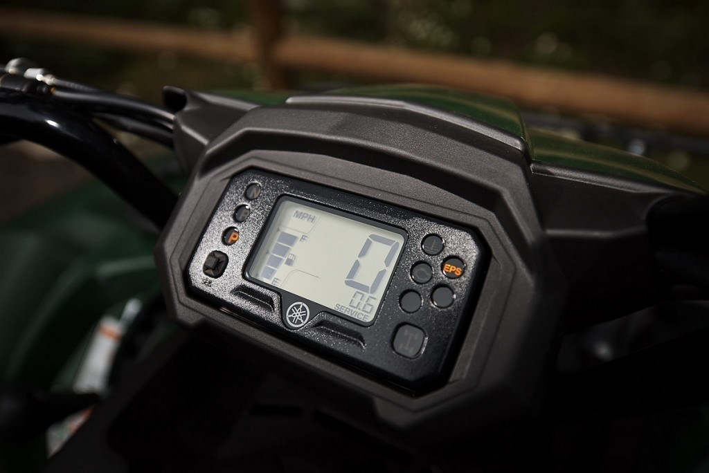The Kodiak 450 LCD instrument cluster is far from something you would find on an entry-level 4x4. It even has something the Grizzly and Kodiak 700 doesn't, a service interval indicator that you can set as a reminder to change the oil, while you're at it clean your air filter! Two of the most important things you can do to keep your machine running well for a long time.